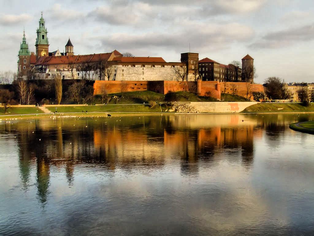 Wawel_z_mostu_Debnickiego_(2007)