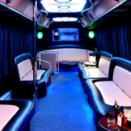 partybus-985x409